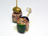 Tuna Skewer with Olives and Cucumber